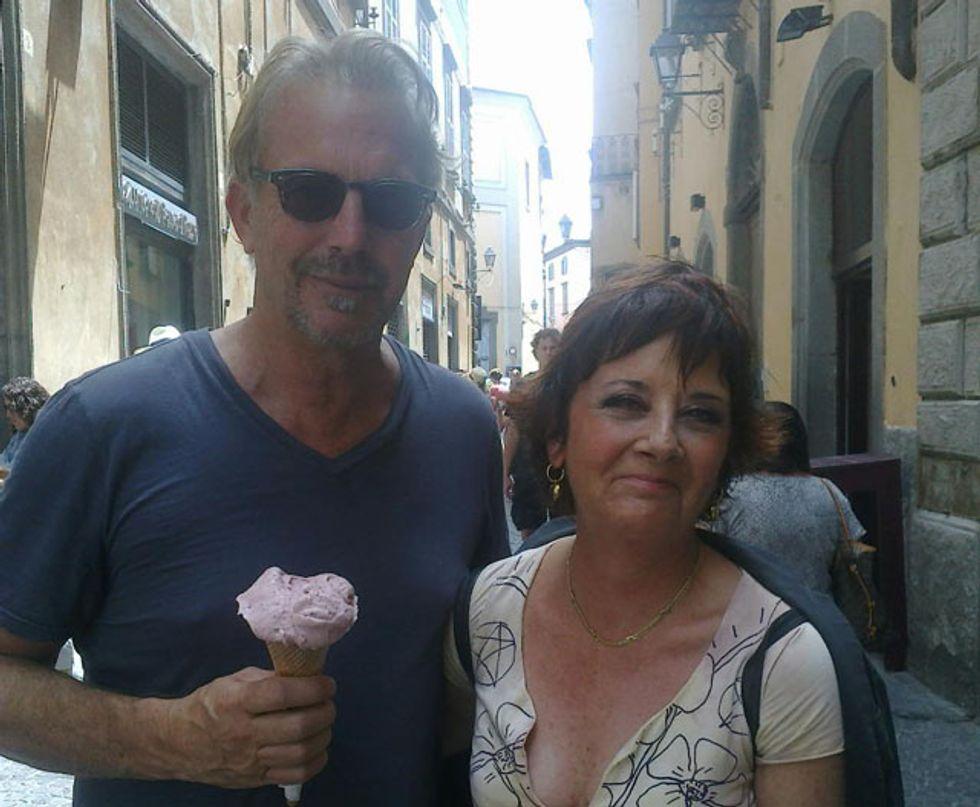 Kevin Costner «balla» con Orvieto per l'Indipendence Day