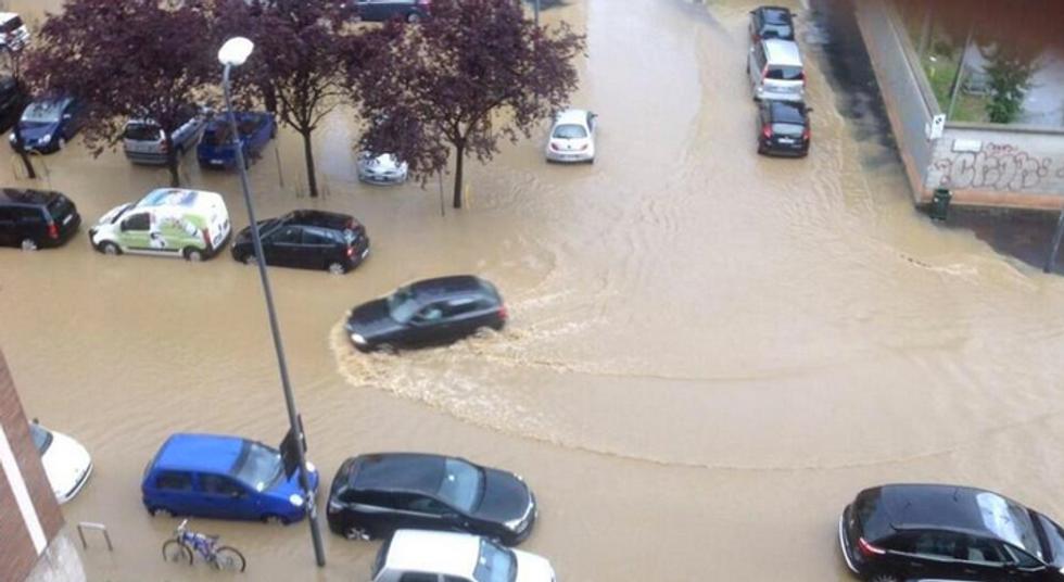 Esonda il Seveso: Milano va in tilt