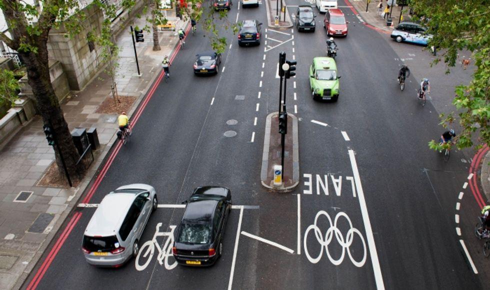 Londra 2012, arrivano gli atleti: strade bloccate e tanti disagi