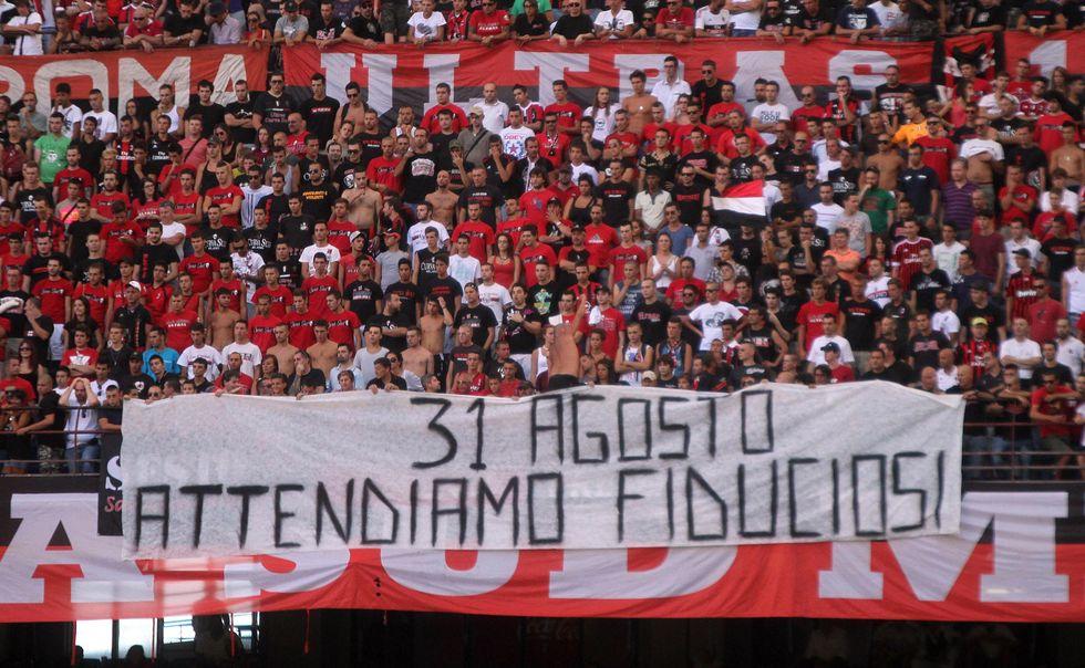 Milan, fuga da San Siro: mai così pochi al debutto
