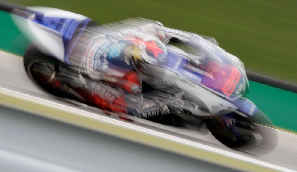 Lorenzo, un lampo a Brno: pole e record