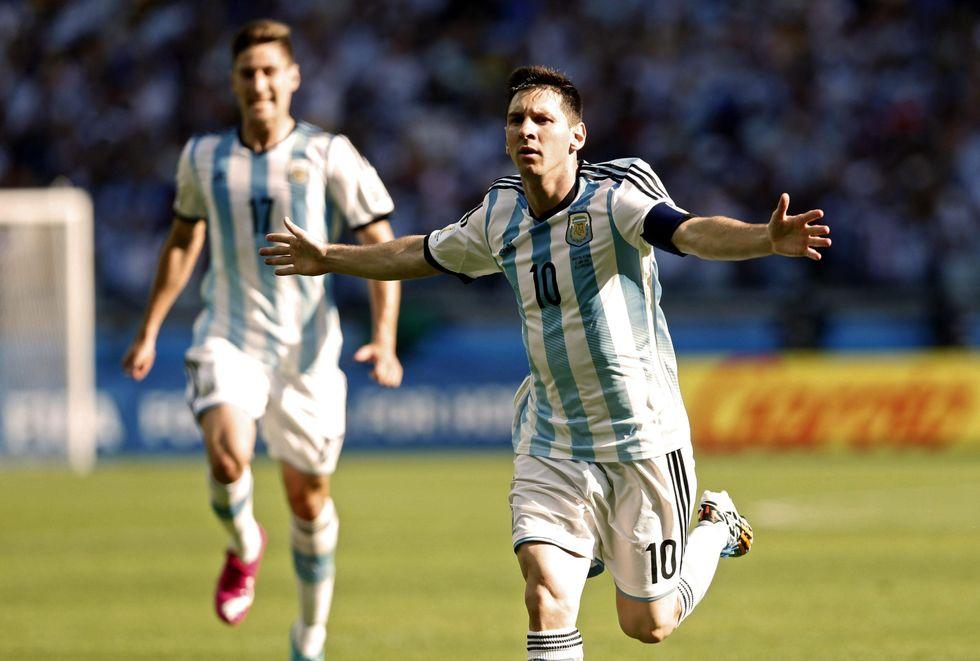 Messi e altri dieci: l'Argentina è solo Leo