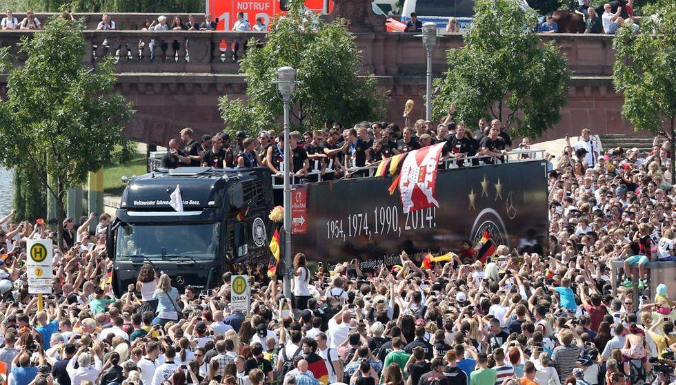 Germania: la Coppa in trionfo per Berlino