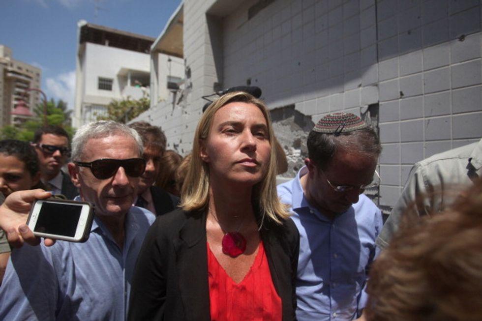 Chi vuole la testa di Federica Mogherini