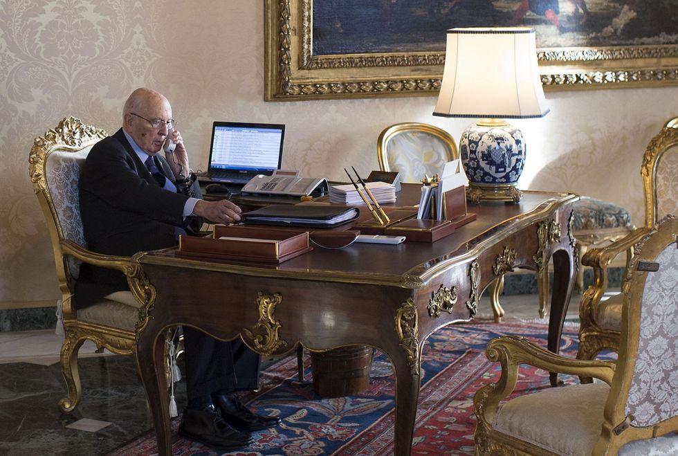 E Napolitano a sorpresa elogia Berlusconi