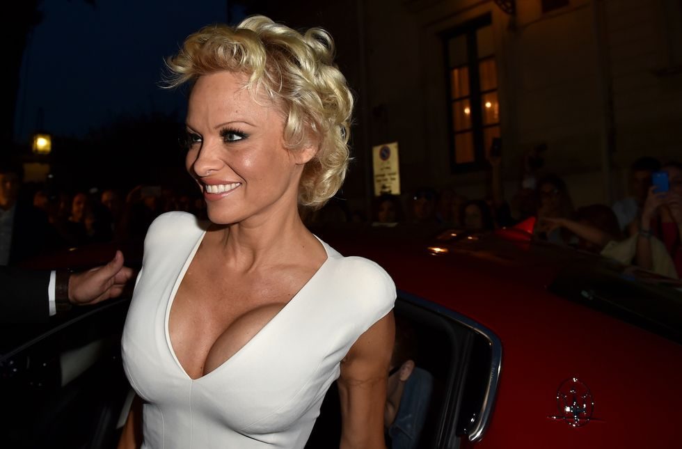 Pamela Anderson: quattro matrimoni (e altrettanti divorzi)