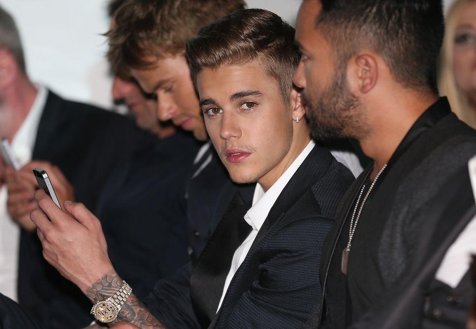 Justin Bieber patteggia la pena per il lancio di uova