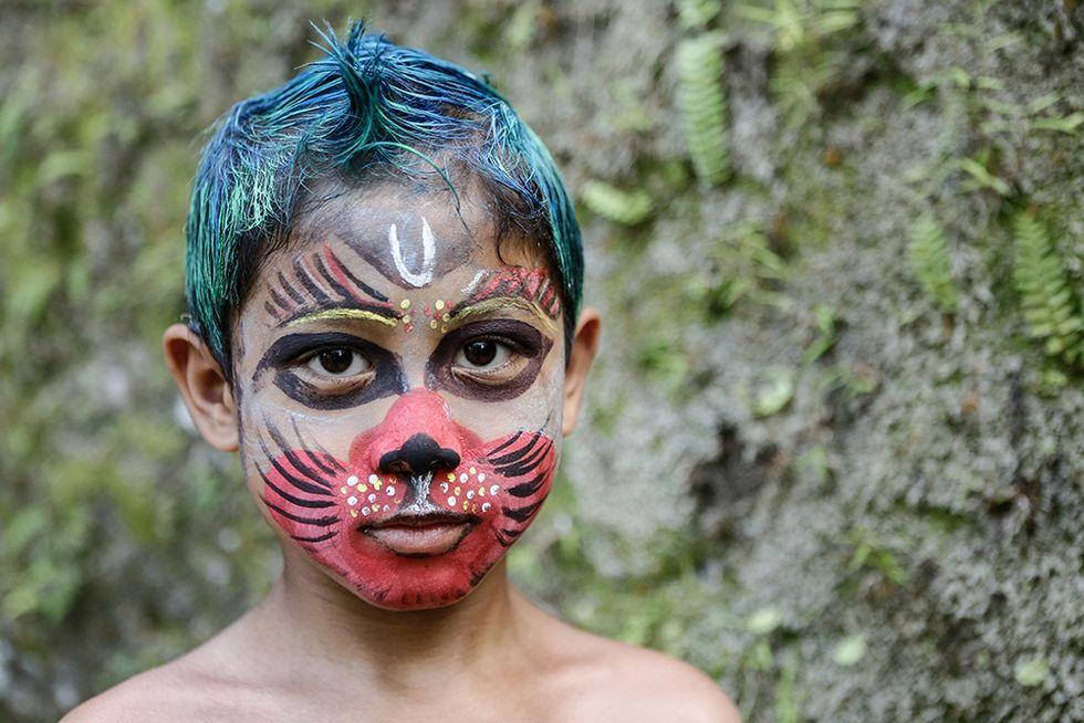 Colori contro gli spiriti maligni a Bali
