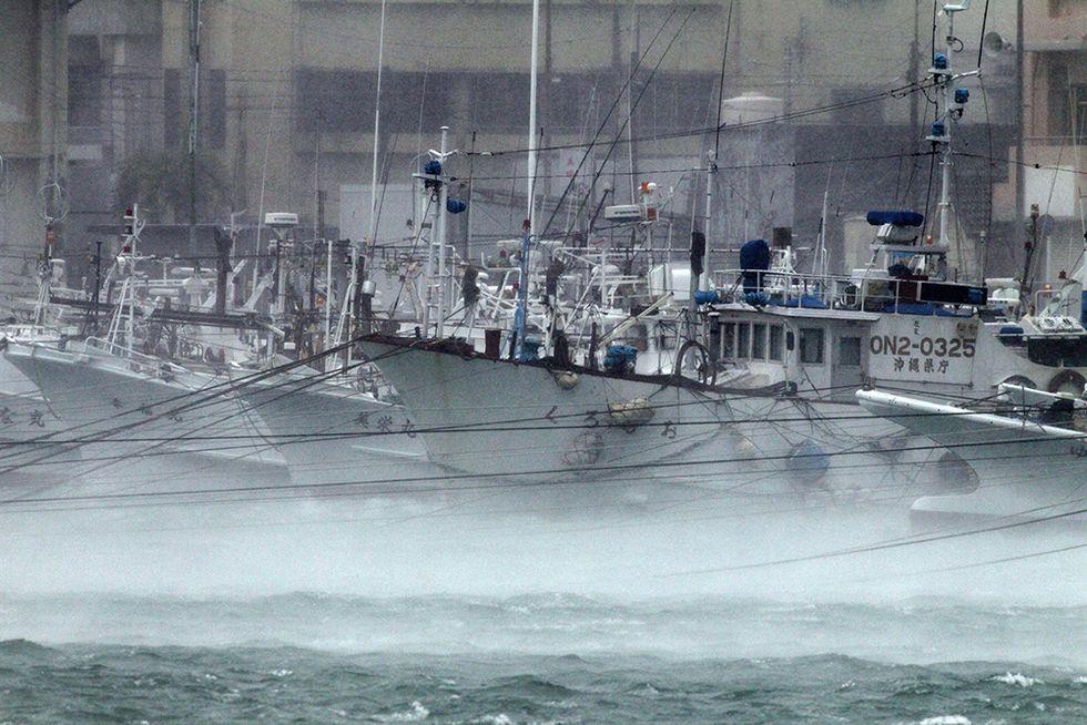 Il tifone Neoguri su Okinawa - Foto