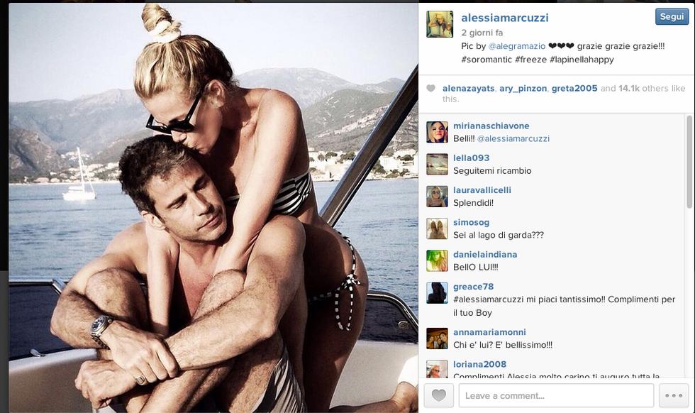 Alessia Marcuzzi e Paolo Calabresi, amore al bacio in vacanza