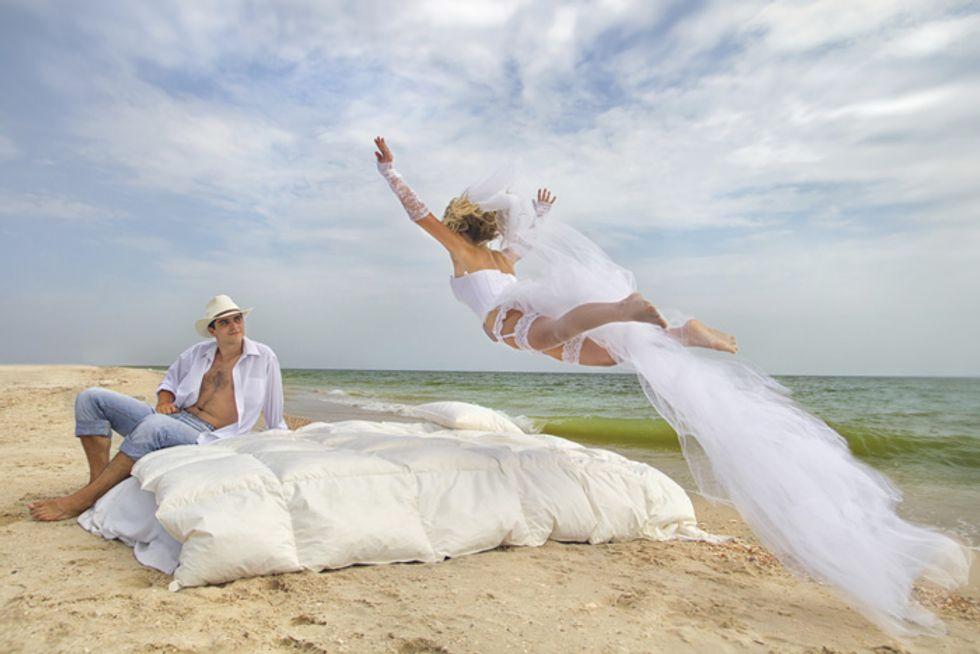 Ci sposiamo? Ecco 8 tendenze assurde del matrimonio