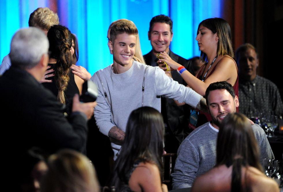Justin Bieber: rehab per controllare la rabbia e 50.000 dollari in beneficenza