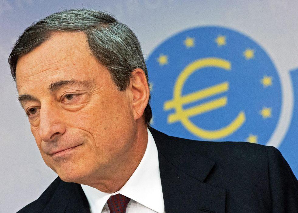 Mario Draghi strilla l'Italia e affila le armi