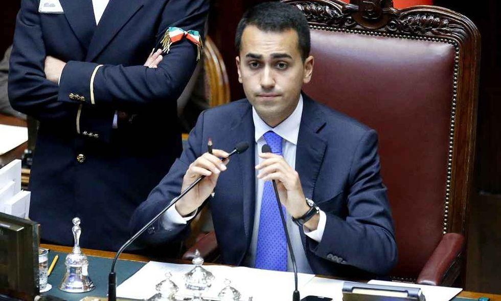 """Di Maio: """"Renzi scenda a patti con noi. E rompa con Berlusconi"""""""