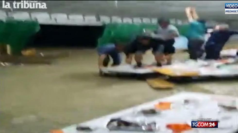 """Il video della """"bomba d'acqua"""" a Refrontolo"""