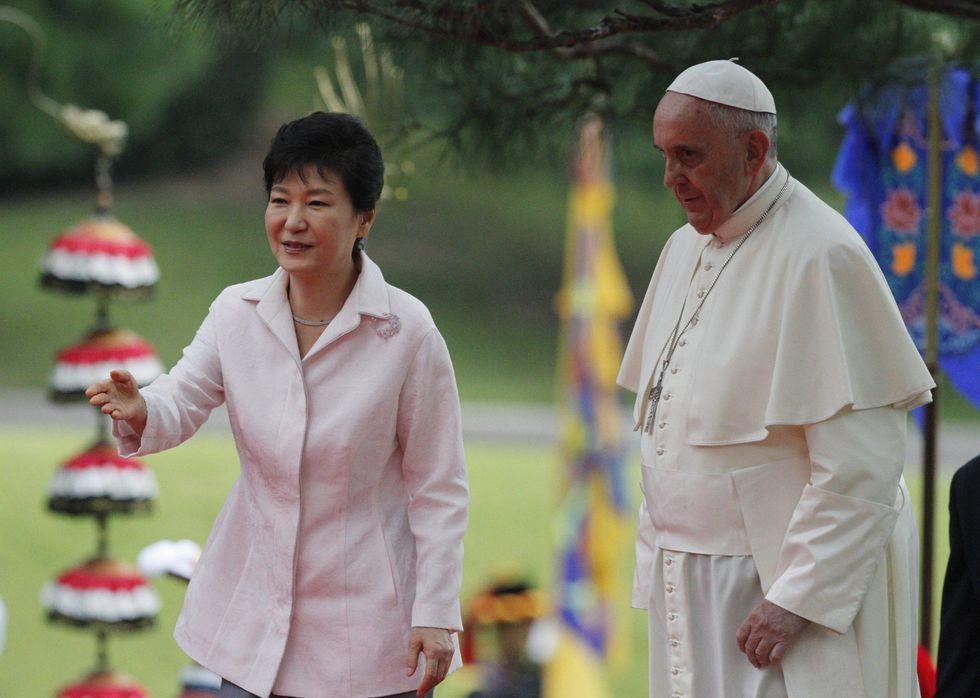 Papa Francesco in Corea: il mondo è stanco della guerra