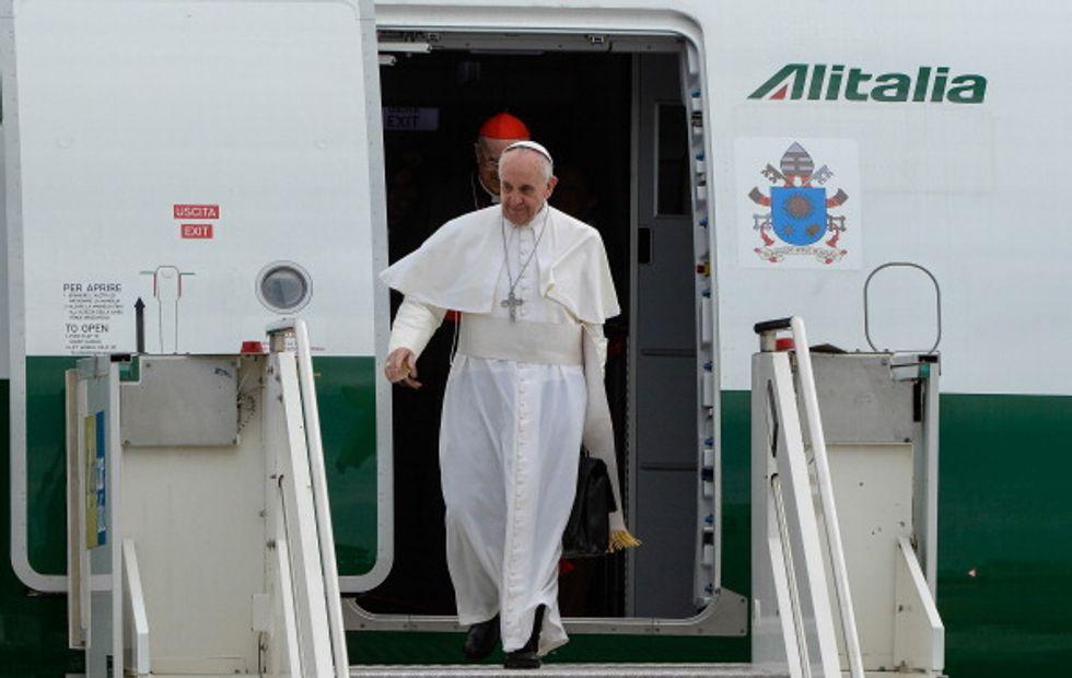 Papa Francesco visita «l'ultima vittima della guerra fredda»