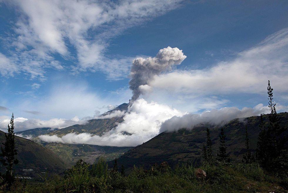 Il vulcano Tungurahua in eruzione e altre foto del giorno, 29.08.2014