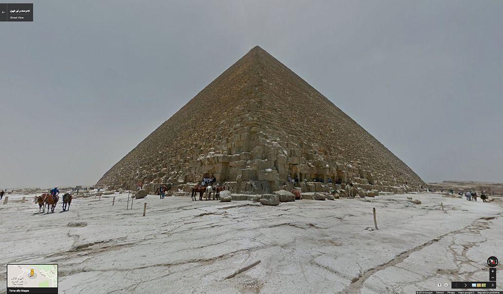 Google Street View tra le Piramidi d'Egitto