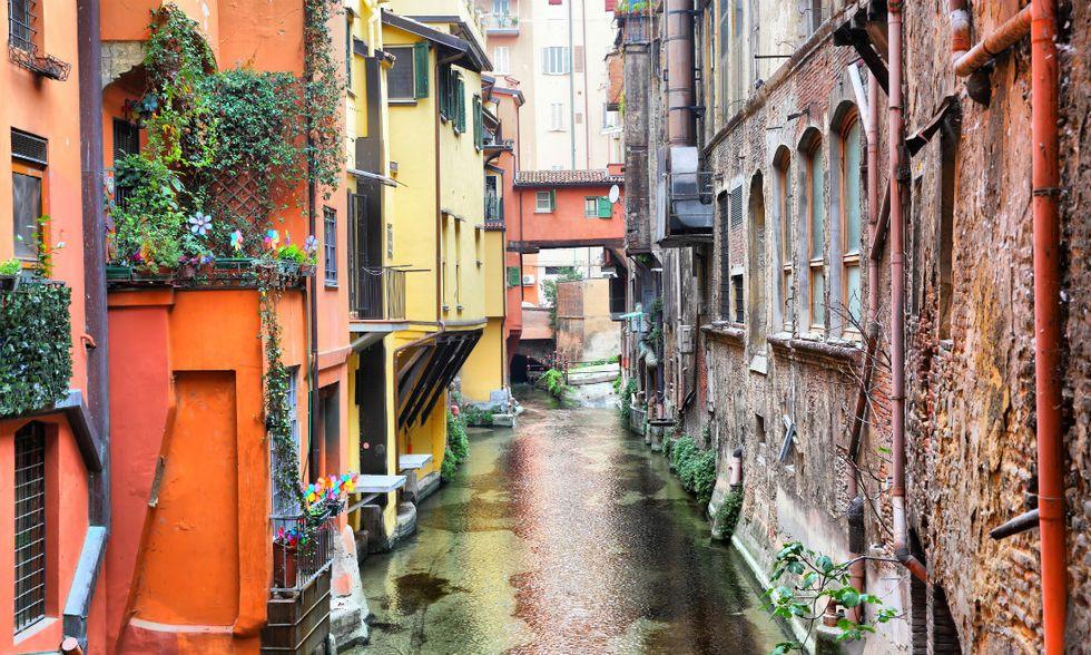 Bologna-luoghi-apertura
