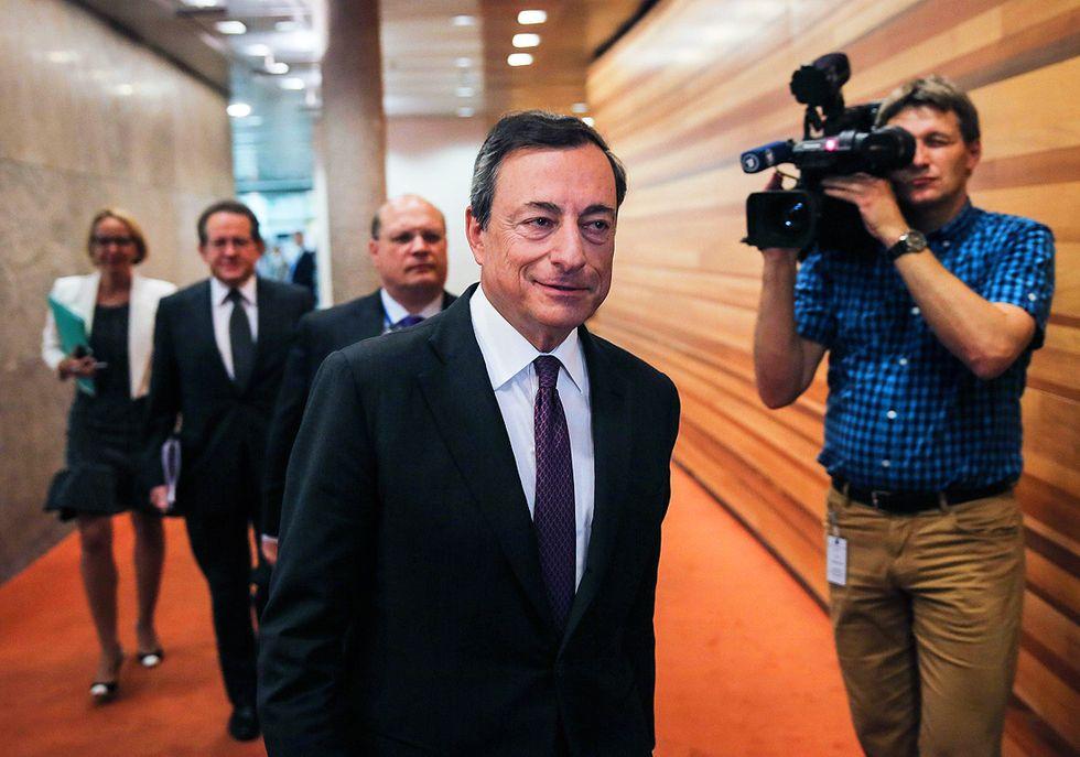 Taglio dei tassi e quantitative easing: perché piace la doppia mossa di Draghi