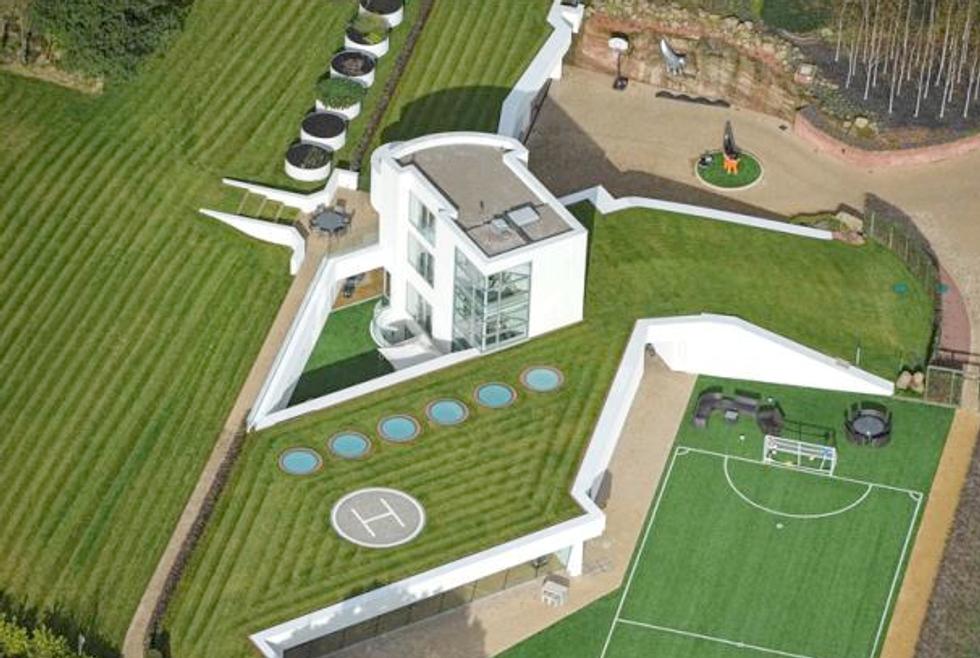 Balotelli trova casa a Liverpool: una villa da 6 milioni