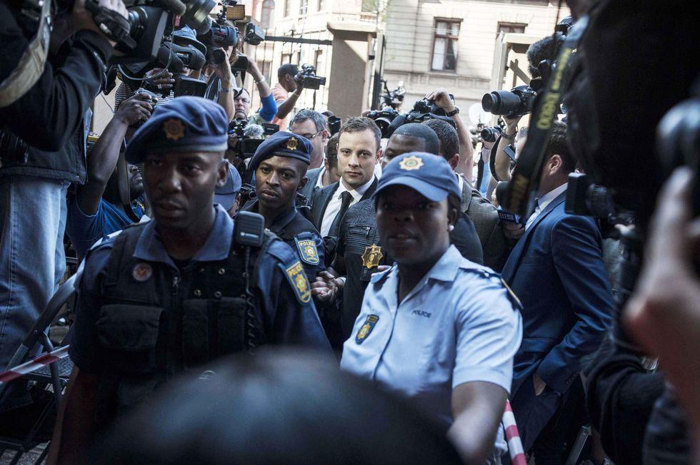 Pistorius, la sentenza: omicidio colposo – diretta