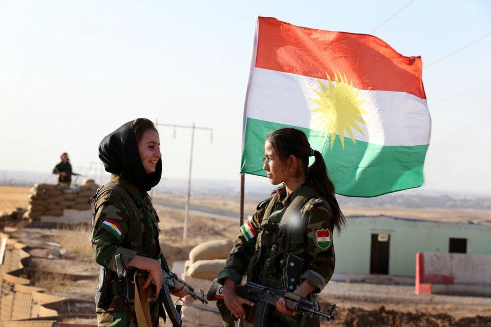Donne curde in armi contro l'ISIS