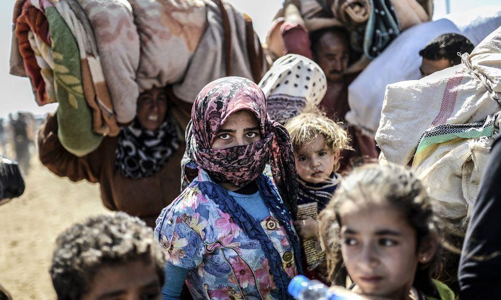 In fuga dall'Isis: i profughi curdi verso la Turchia