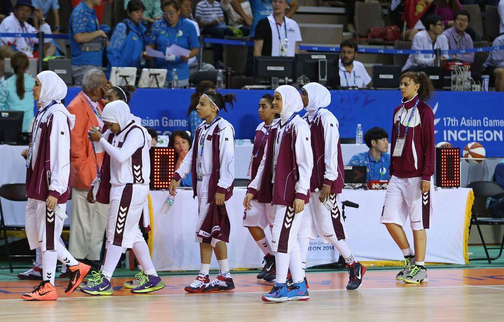 La lezione delle ragazze del Qatar (con e senza hijab)
