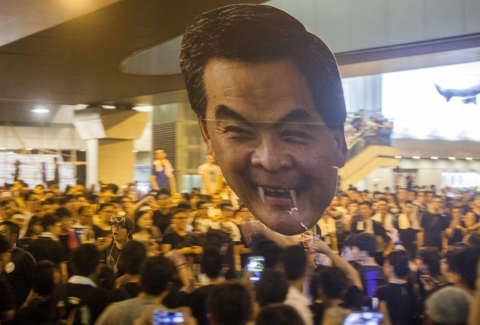 Hong Kong: dura posizione della Cina