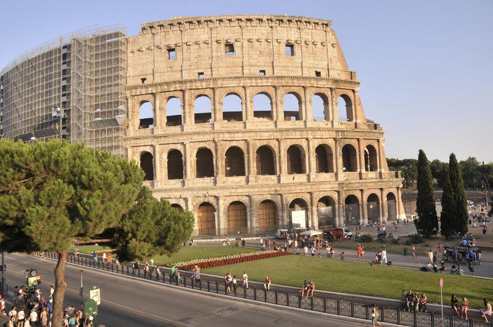 Battaglia in Campidoglio sugli sponsor per Roma