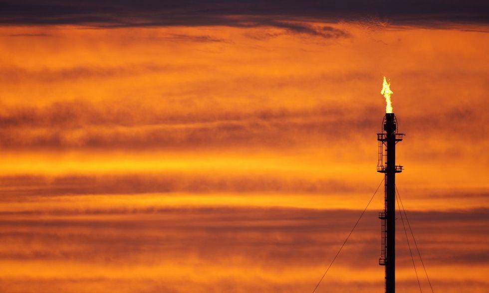 Petrolio: cosa c'è dietro la guerra dei prezzi