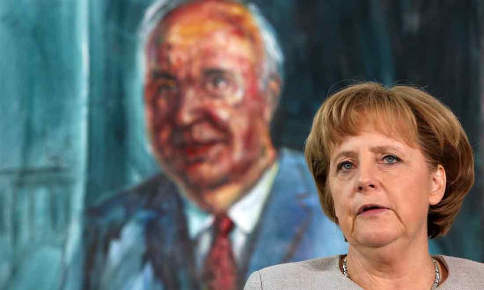 """Kohl: """"La Merkel non sapeva neanche stare a tavola"""""""