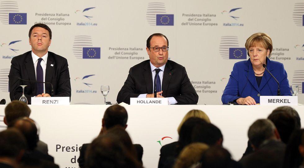"""Renzi alla Merkel: """"Rispetteremo il 3% ma il modello va cambiato"""""""