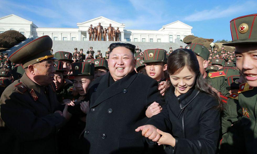 Kim Jong-Un e sua moglie Ri Sol-Ju