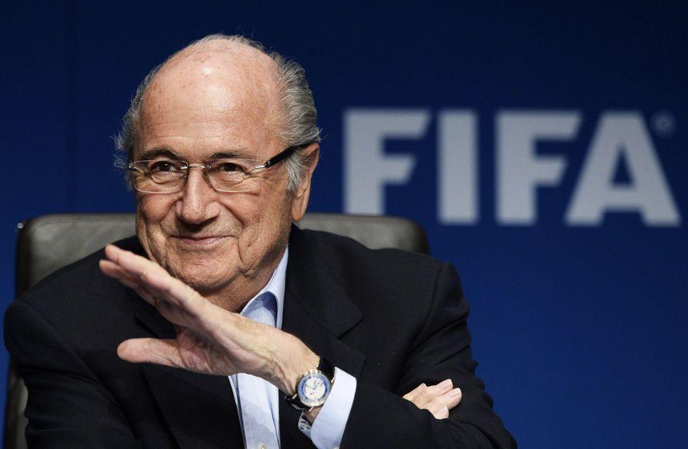 10 idee folli (e mai applicate) di Blatter, padrone della Fifa