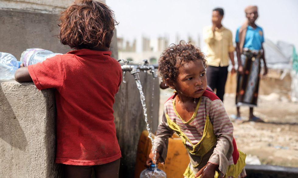 Bambini yemeniti sfollati