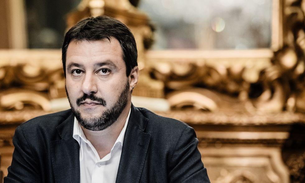 """Salvini al posto di Berlusconi? Forza Italia: """"Solo slogan"""""""