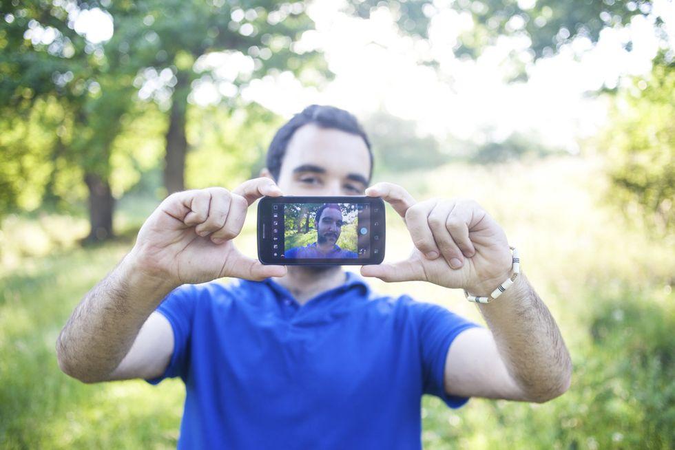 Dating online: fare colpo con un video