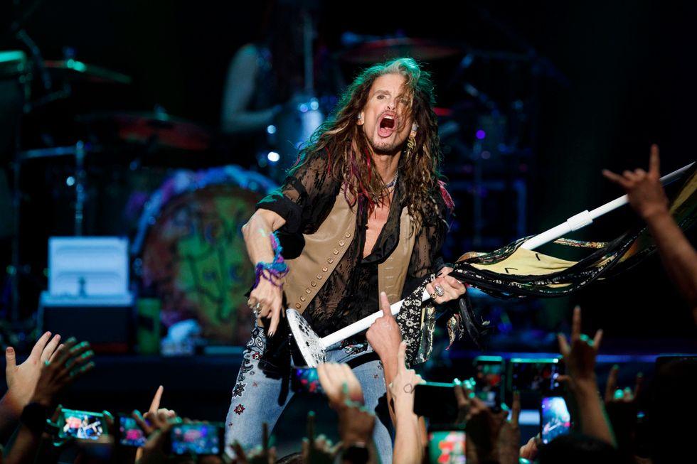 Steven Tyler tiene viva la fiamma del rock a Roma