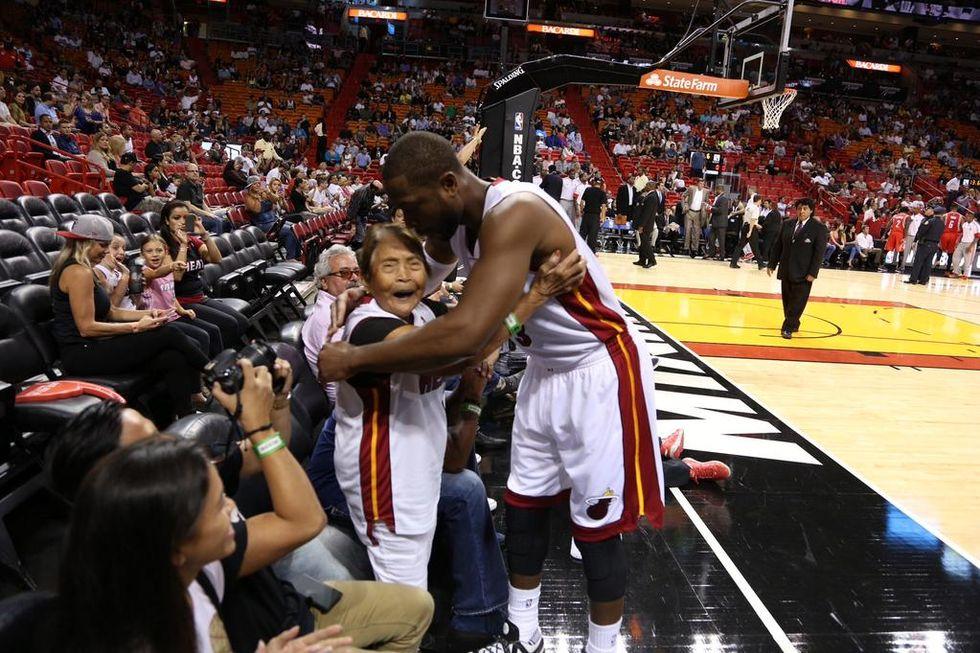 Nba, Wade: uno contro uno.. con una nonna di 90 anni!
