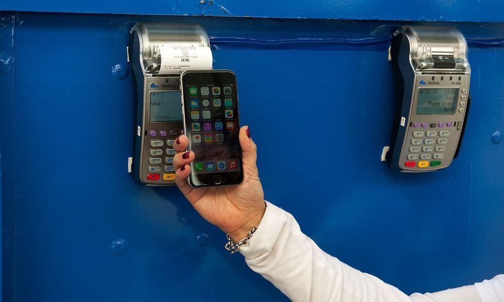 Perché Apple Pay è il metodo più sicuro per pagare nei negozi e online