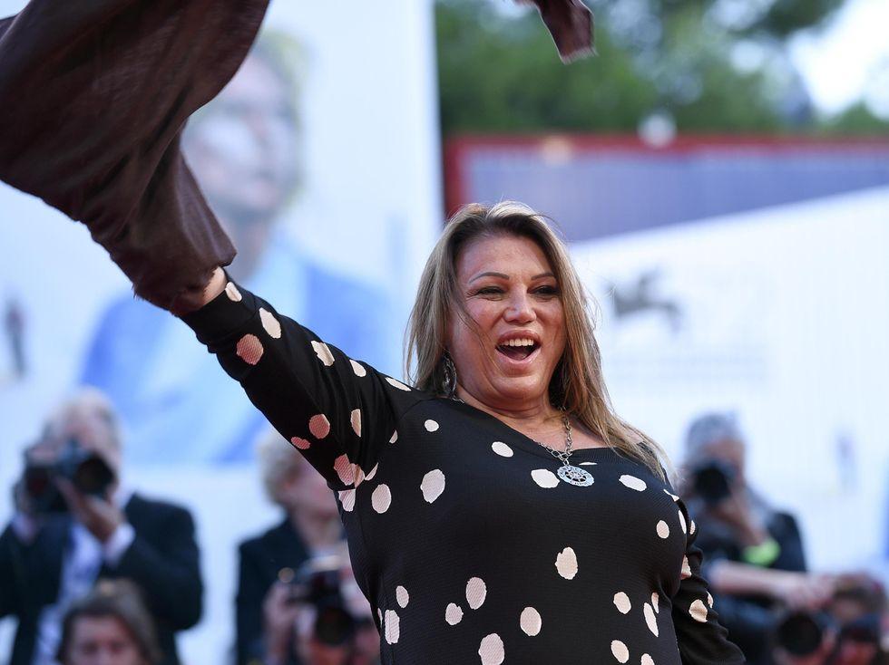 Serena Grandi, sogno erotico degli italiani negli anni '80 compie 60 anni