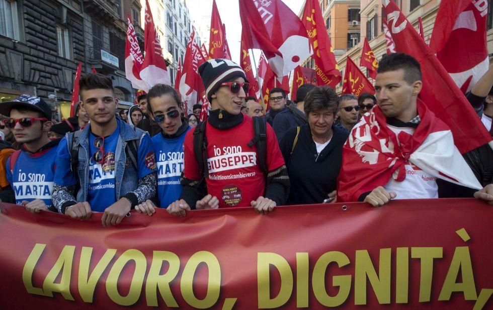La Cgil in piazza: la manifestazione riempie Roma