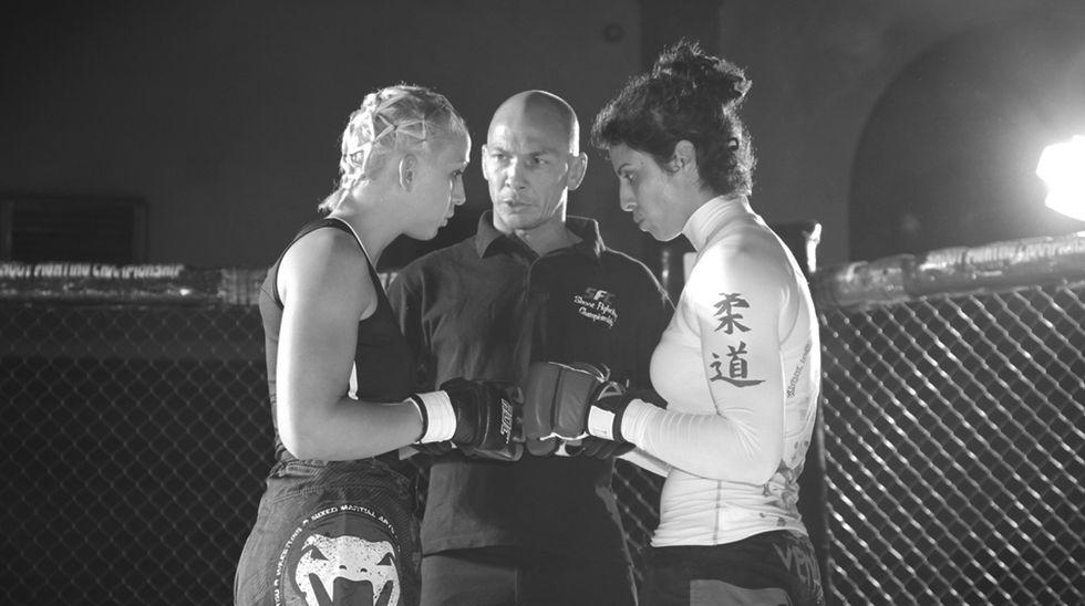 """Mara Borella, campionessa di arti marziali.. """"in gabbia"""""""