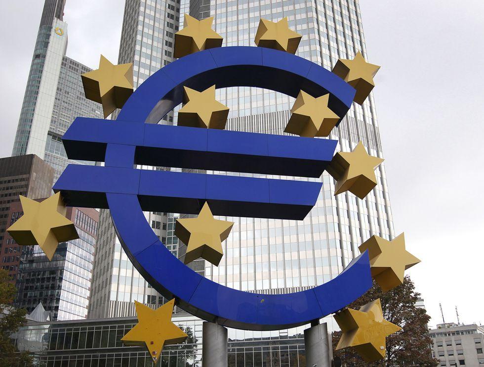 La Bce aiuta le banche greche