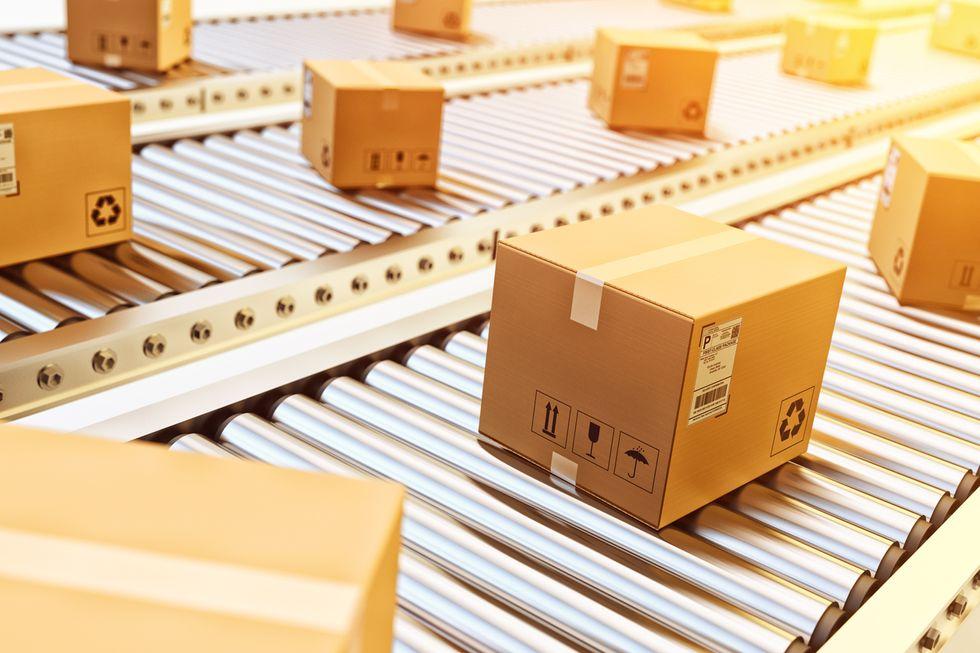 La guerra dei pacchi, così il commercio può resistere all'effetto-Amazon