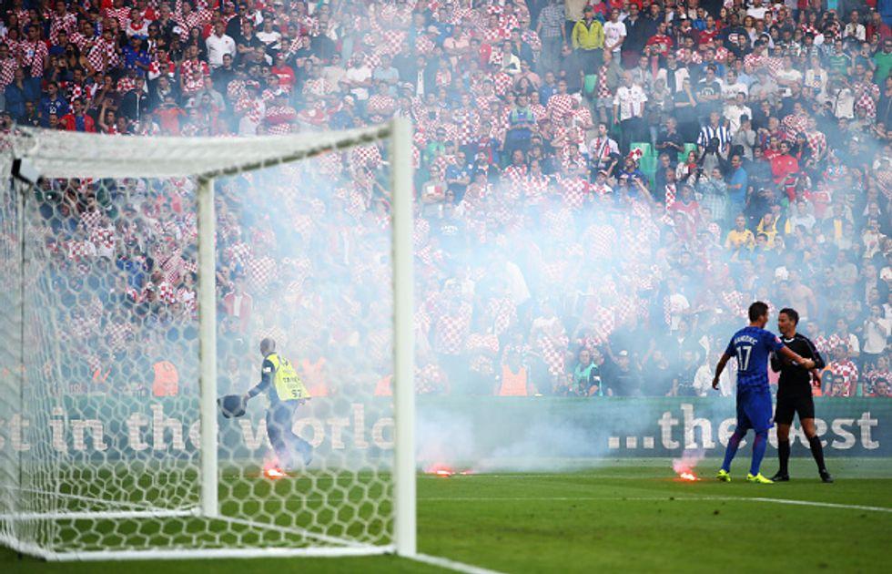 L'Uefa grazia la Croazia per la vergogna ultras: multa e divieti sui biglietti