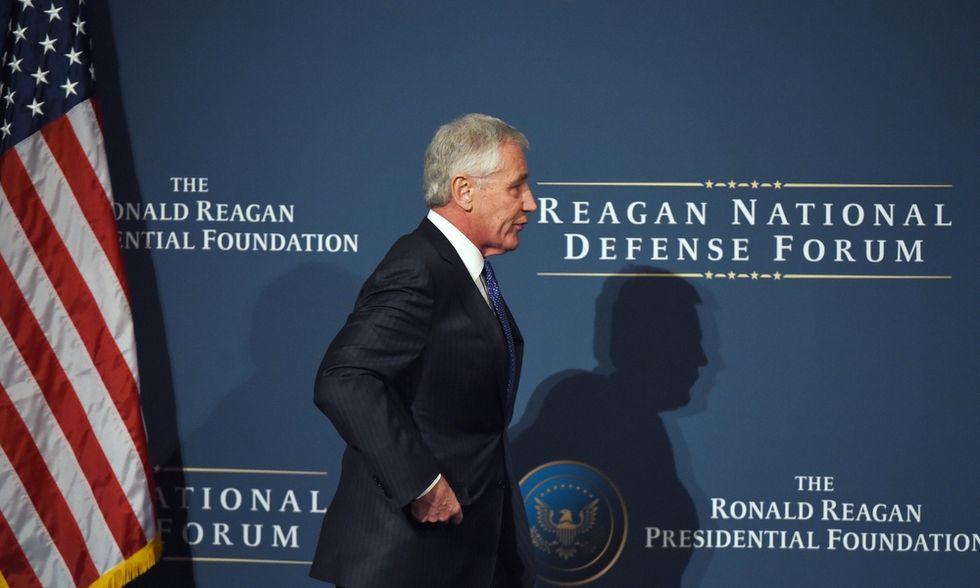 Obama licenzia Chuck Hagel, il suo ministro della difesa